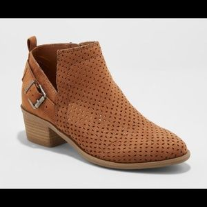 Universal Thread Laser Cut Buckle Bootie